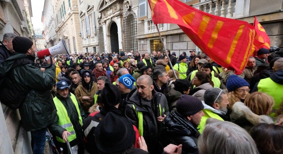 GENOVA AMIU come Alitalia: lavoratori sfiduciano CGIL CISL UIL