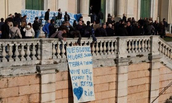 Ragazzo suicida a Lavagna, era stata la madre a chiamare la Guardia di Finanza