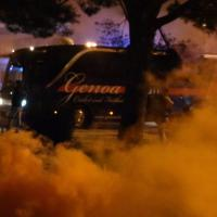 Genoa, la contestazione all'aeroporto