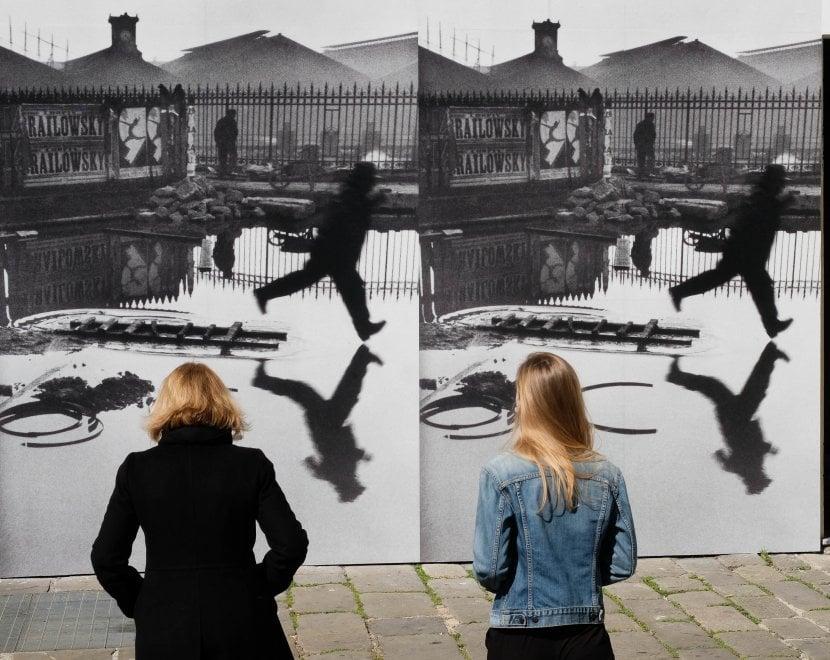 Mostre: a Genova la realtà lucida di Cartier-Bresson: 140 immagini per ricordare l'opera di 'Occhio del secolo'