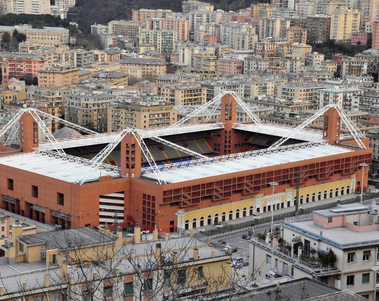 Calcio, la rivoluzione parte da Marassi, ma burocrazia e crisi frenano il rilancio