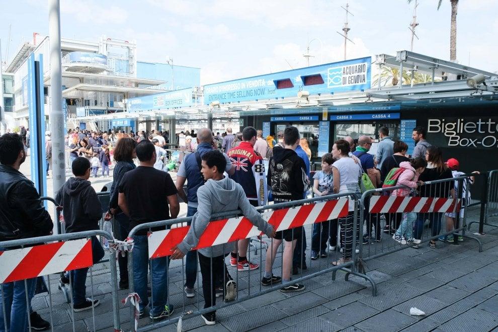 L'invasione dei turisti a Genova