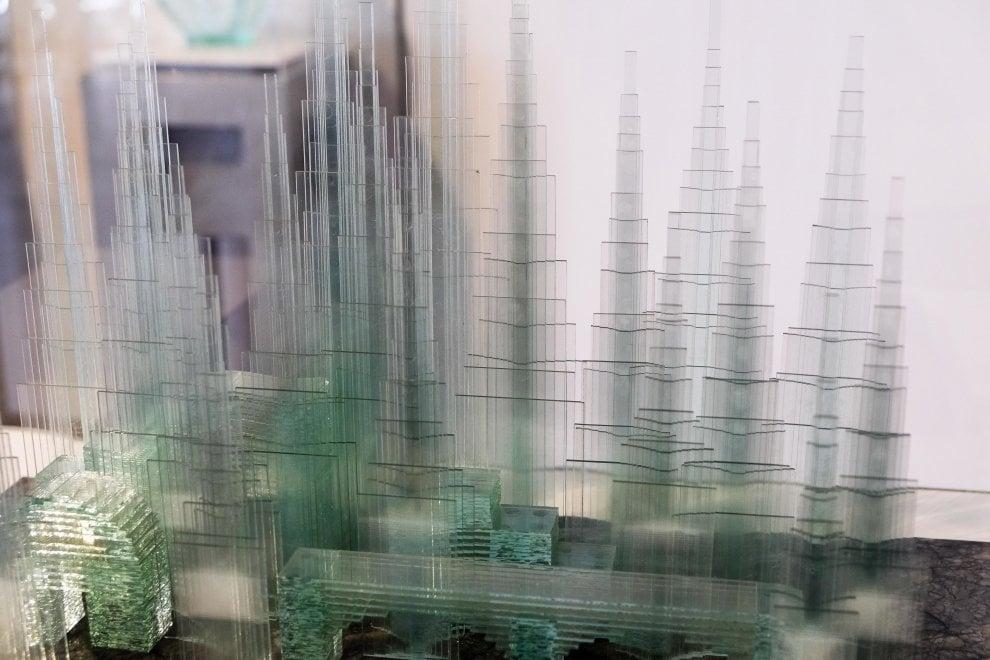 """Il """"ponte di luce"""" di Izumi in mostra al Chiossone di Genova"""