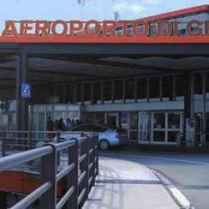 """Il governo promuove l'aeroporto di Genova: torna al """"primo livello"""" grazie a porto e ferrovie"""