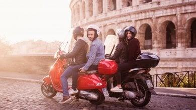 Caccia a duecento drivers,  Scooterino  sbarca a Genova