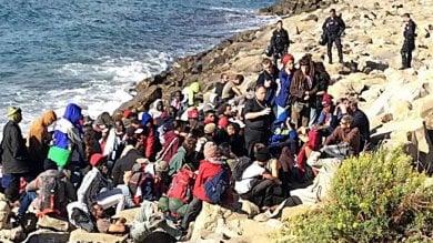 """Ventimiglia, il sindaco Ioculano: """"Ecco perchè ho revocato l'ordinanza sul divieto di dare cibo ai migranti"""""""