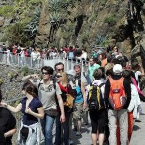 Cinque Terre, i contapersone in azione: 47.000 visitatori sul sentiero Verde Azzurro ad aprile