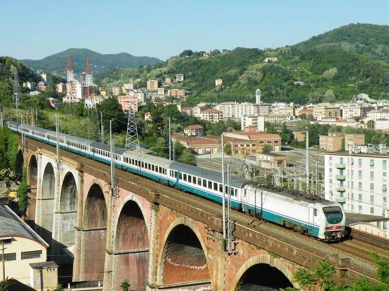 Cantieri da nord a sud, la lunga estate calda sulle ferrovie liguri