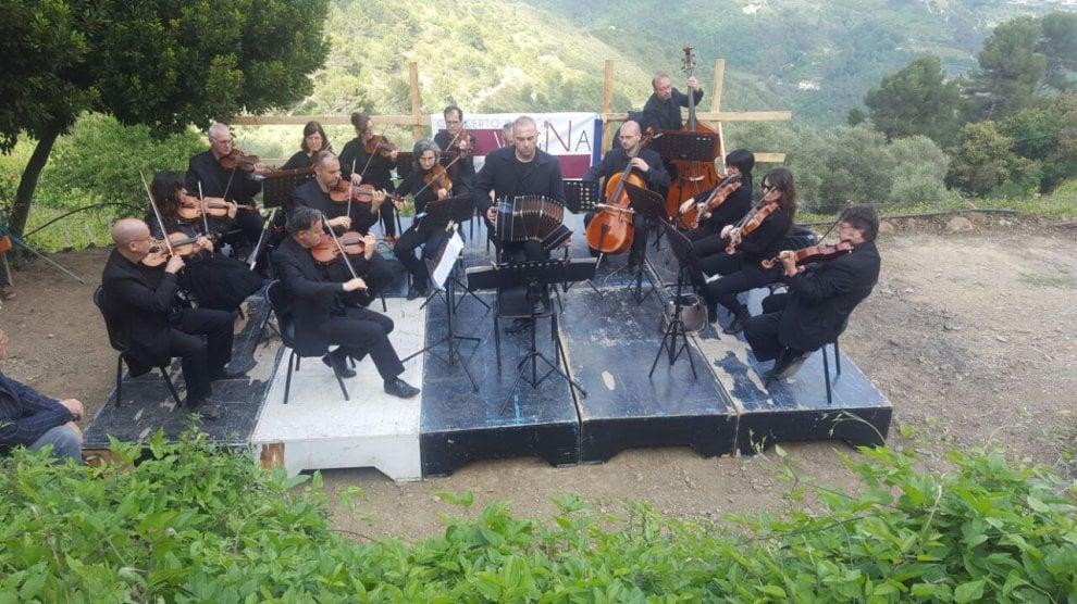 Soldano, l'orchestra di Sanremo suona tra le vigne del Rossese