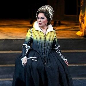 Maria Stuarda, più applausi che pubblico