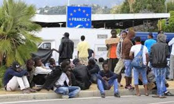 Nizza, niente condanna per l'attivista che portava i migranti in Francia