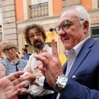 Genova, Crivello inaugura il point elettorale in Galleria Mazzini