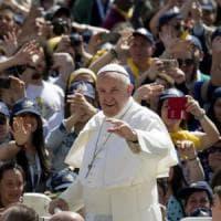 Papa in diretta ai bambini del Gaslini: