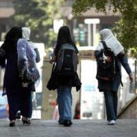 Maltratta figlia che rinnega precetti islamici: condannato