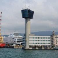 Torre Piloti priva di protezioni, indagato l'ammiraglio Angrisano