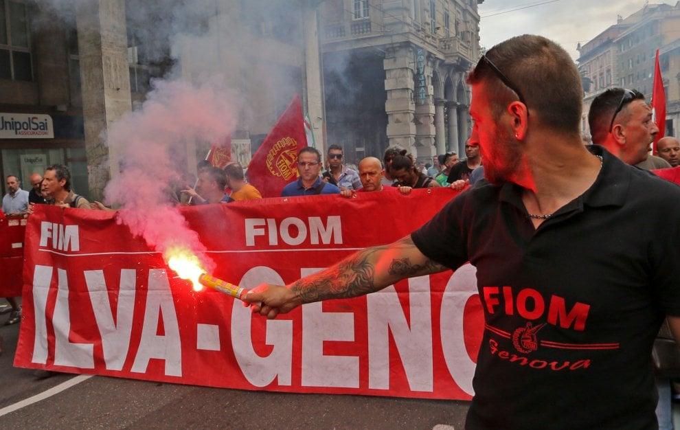 Genova, il corteo dei lavoratori Ilva