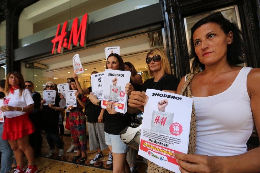 H&M Genova, sciopero e presidio contro i tagli