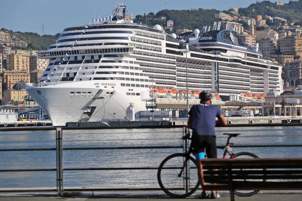 Genova, la Msc Meraviglia in porto