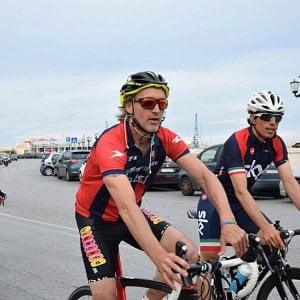 Genoa, l'ex Nicola in arrivo in bicicletta al Porto Antico