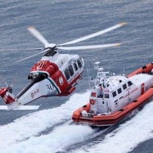 Tuffi e malori, due ragazzi rischiano la vita al mare