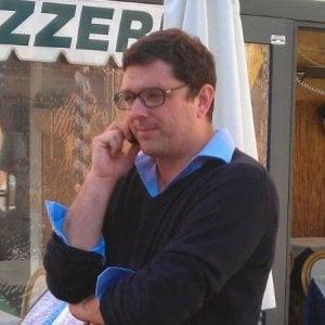 Il sindaco di Monterosso in spiaggia col fischietto per cacciare gli abusivi