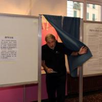 Genova al ballottaggio, storica vittoria del centrodestra