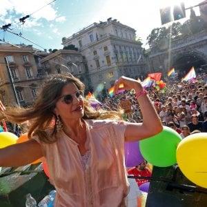 Liguria Pride, il corteo per la festa dei diritti invade Genova