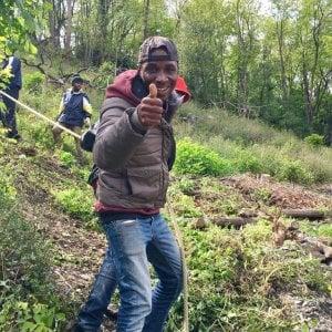Una strada nel bosco per i migranti di Quezzi Un residente dona 1.500 metri quadrati