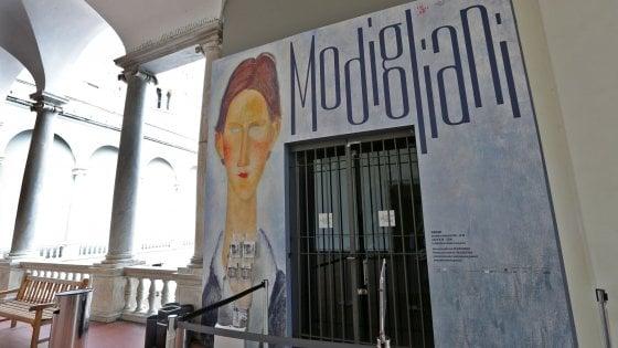 Presunti falsi di Modigliani, la procura sequestra alcune opere, la mostra chiude