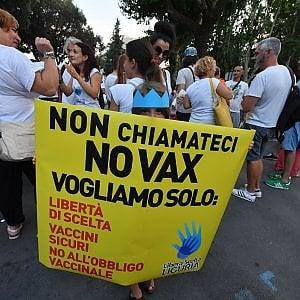"""De Ferrari """"cerata"""", gli anti-vaccini chiedono scusa ai genovesi"""