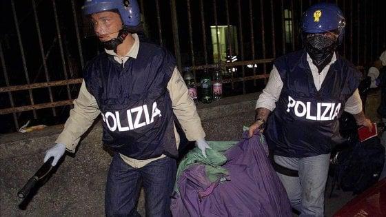 """Genova, rientro in polizia per i condannati della """"macelleria messicana"""" del G8"""