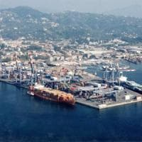 Sequestrati a Spezia 1,8 milioni di falsi calzini Pompea