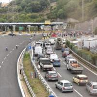 A10 chiusa tra Arenzano e Genova per un'ora e mezza per una fuga di gas