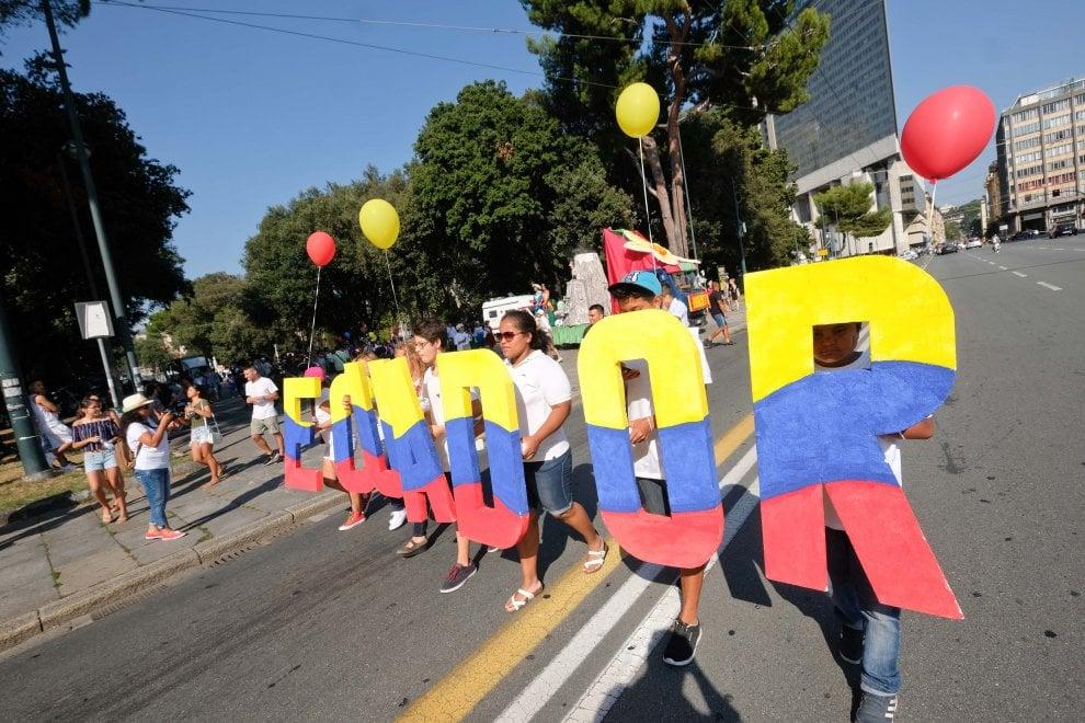 Comunità Ecuadoriana, il centro si accende con la Sfilata della Fratellanza
