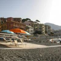 Spiaggia per disabili a Vernazzola, appena inaugurata spuntano i vandali