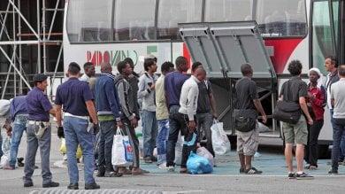 E' ormai corsa contro il tempo per trovare 100 posti ai migranti oggi in Fiera