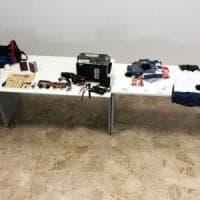Genova, la famiglia in vacanza: i ladri smurano la cassaforte, ma il vicino