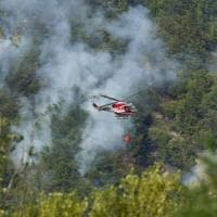Ancora incendi in Liguria, via i turisti dal fiume