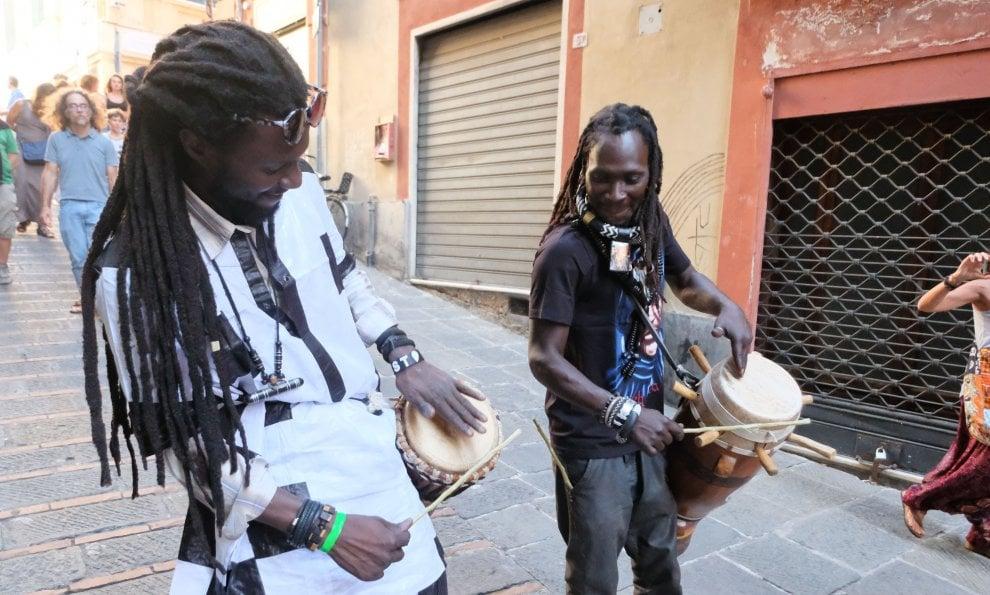 Il Festival del Mediterraneo invade il centro storico con la musica