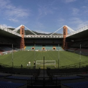 """Calcio: il sindaco Bucci: """"Gara pubblica per alienazione stadio"""""""