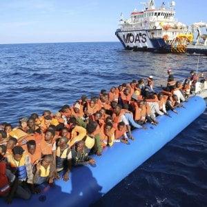 Vandalizzata una ex scuola per evitare l'accoglienza ai migranti
