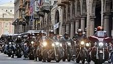 Sfilata di Harley nel centro di Genova   di FABIO BUSSALINO