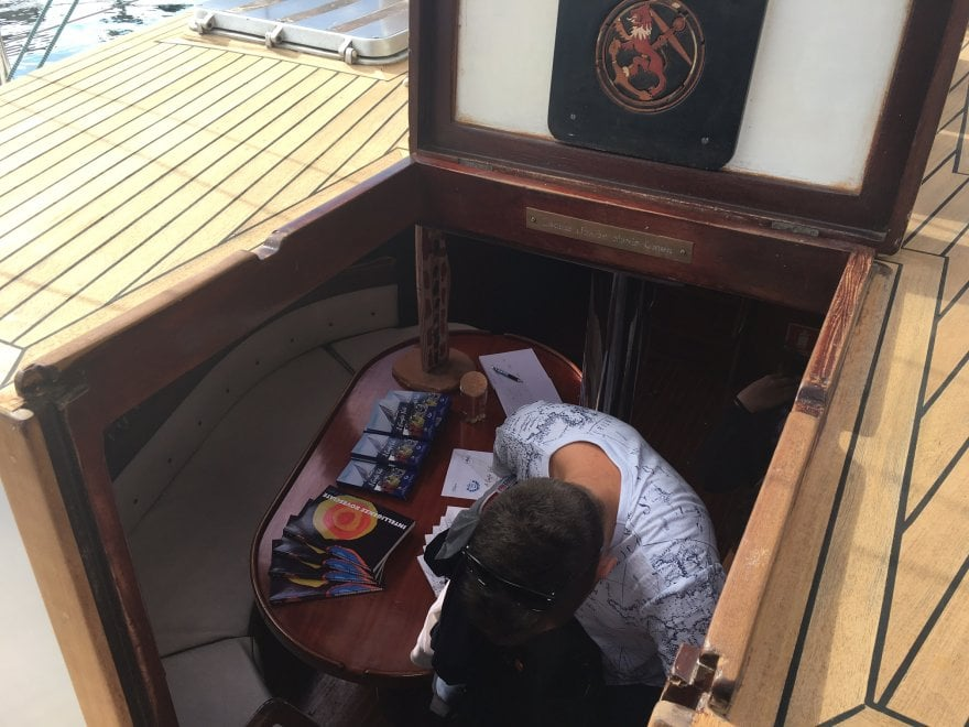 Savona, la terapia del bello a bordo di una barca