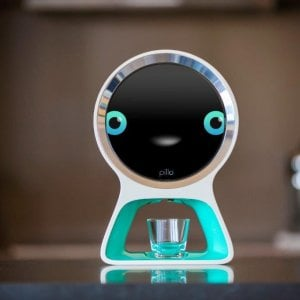 Pillo, il robot infermiere che dosa le medicine