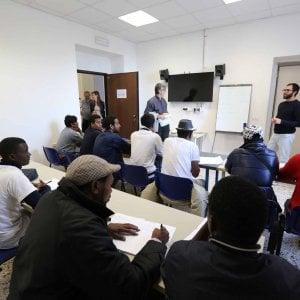 Migranti,  Bucci contro Chiesa e  Prefettura