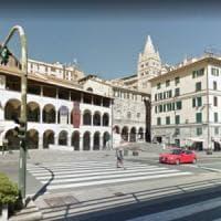 Genova, per strada con madre ubriaca, bimbo chiede aiuto a polizia