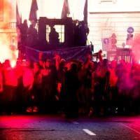 Genova, Ilva gli operai occupano lo slargo della Prefettura