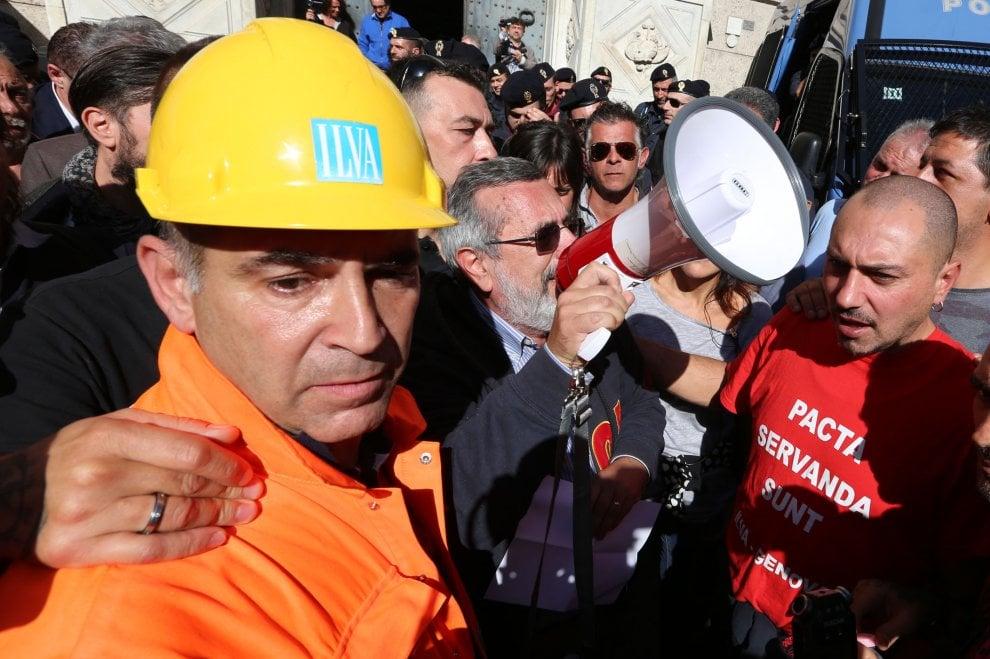 Ilva, da Roma la notizia che il Governo boccia il piano dei privati