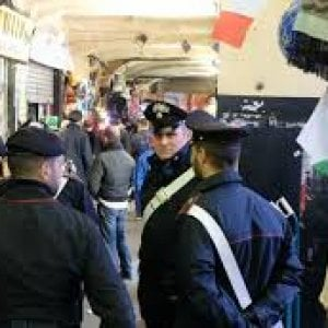Genova, centro storico al setaccio, all'alba il blitz antidroga dei carabinieri: 39 arresti