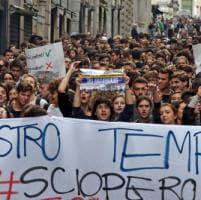 'Siamo studenti non lavoratori', corteo per 1000 giovani a Genova